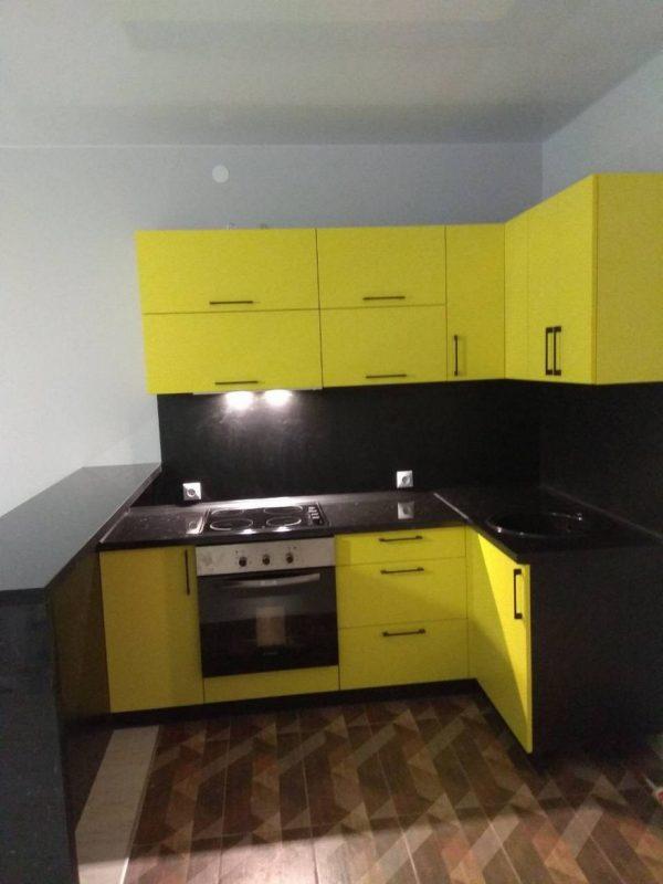 Кухня угловая с барной стойкой КЗ-11